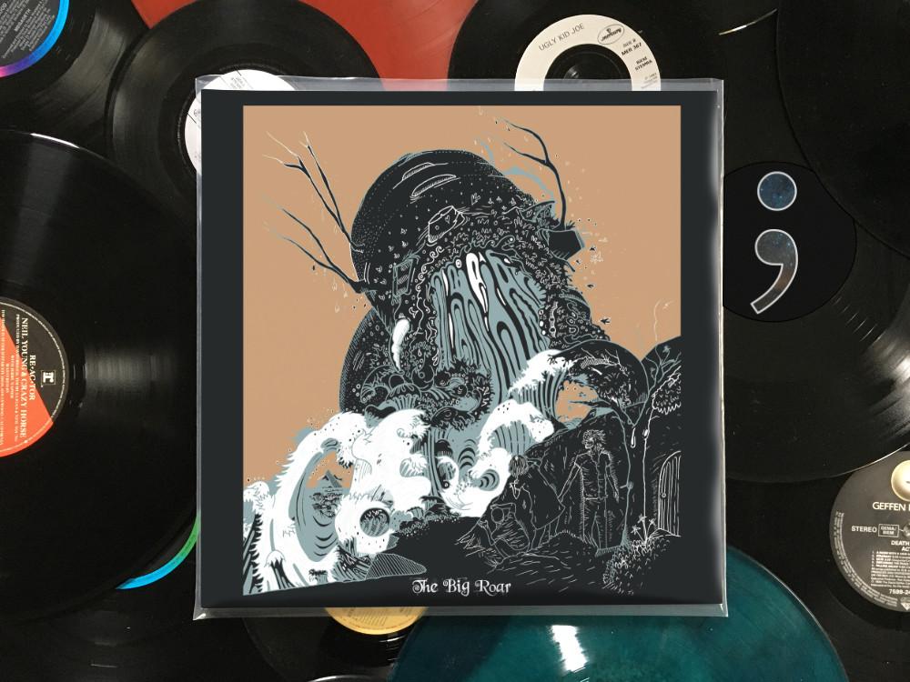 Schallplattenhülle The Big Roar von The Joy Formidable liegt auf losen Schallplatten